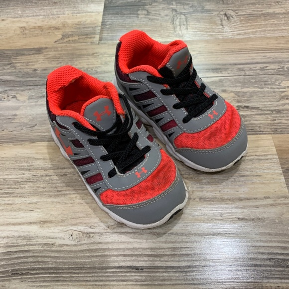 under armour boys sneakers